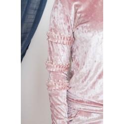 Veliūrinis laisvalaikio kostiumas su perlais